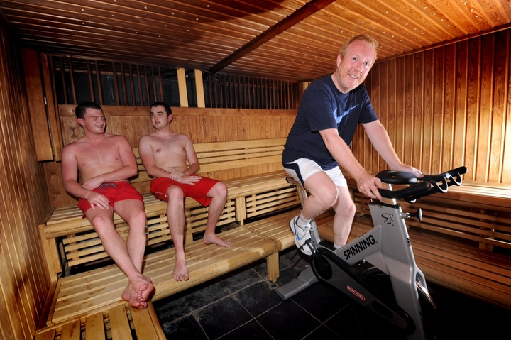 Geoff trains in the sauna at Oulton Hall Hotel to prepare for his charity trek through The Shara Desert